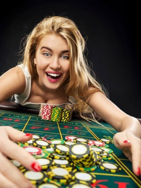 Introduce 5 advantages at online casinos, why everyone is addicted until they come back to play again.