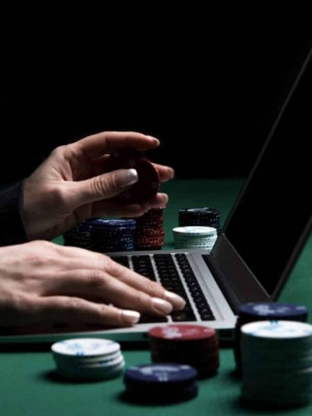 Top Four Lessons About Online Casino To Be Taught Before You Hit 30